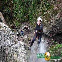 images/galleria_canyonig/canyoning_forra_del_casco_01.jpg